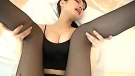 Japanese Babe Azumi in Pantyhose
