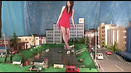 Giantess Tease & Crush City