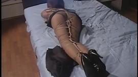 beautitul japanese try bondage play.
