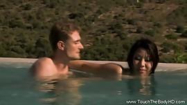 Asian MILF Relaxing Nuru Massage
