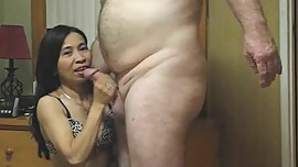 #Asian MILF Gina working load